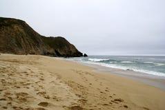 Μισή παραλία κόλπων φεγγαριών, Καλιφόρνια στοκ φωτογραφίες με δικαίωμα ελεύθερης χρήσης