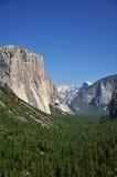 Μισό-θόλος και EL-Capitan, Yosemite Στοκ φωτογραφία με δικαίωμα ελεύθερης χρήσης