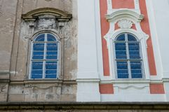 Μισό-διορθωμένο ιστορικό κτήριο Στοκ φωτογραφίες με δικαίωμα ελεύθερης χρήσης