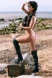 Μισό-ντυμένη γυναίκα πειρατών Στοκ Εικόνες