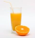 μισό πορτοκάλι χυμού καρπ&omi Στοκ φωτογραφίες με δικαίωμα ελεύθερης χρήσης