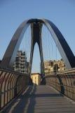 Μιλάνο Ιταλία πάρκο στην περιοχή Portello, γέφυρα Στοκ φωτογραφία με δικαίωμα ελεύθερης χρήσης