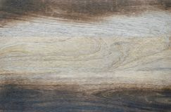 Μμένος στερεό ξύλινος τεμαχίζοντας πίνακας Στοκ Φωτογραφία