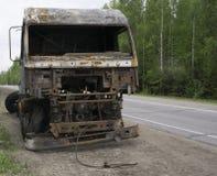 Μμένο αυτοκίνητο στην άκρη του δρόμου Στοκ Εικόνες