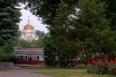 Μνημεία, εκκλησίες, σπίτια εικονικών παραστάσεων πόλης, πάρκα πάρκων Στοκ φωτογραφία με δικαίωμα ελεύθερης χρήσης