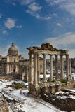 μνημεία φόρουμ άλλος ρωμαϊκός ναός του Κρόνου στοκ εικόνα με δικαίωμα ελεύθερης χρήσης