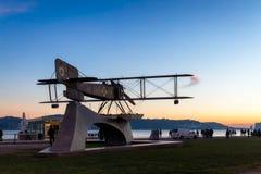Μνημείο αεροπλάνων στο ηλιοβασίλεμα στη Λισσαβώνα Στοκ Εικόνες