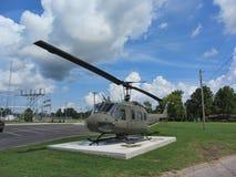 Μνημείο 1968 Βιετνάμ uh-1 ελικόπτερο 4 Δεύτερου Παγκόσμιου Πολέμου Huey Στοκ φωτογραφία με δικαίωμα ελεύθερης χρήσης