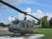 Μνημείο 1968 Βιετνάμ uh-1 ελικόπτερο 5 Δεύτερου Παγκόσμιου Πολέμου Huey Στοκ φωτογραφία με δικαίωμα ελεύθερης χρήσης