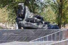 Μνημείο η μητέρα Grieving στο νεκροταφείο Rossoshka Στοκ εικόνα με δικαίωμα ελεύθερης χρήσης