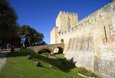 Μνημείο κάστρων της Λισσαβώνας Πορτογαλία ST George ` s της ιστορίας του πύργου τοίχων φρουρίων Στοκ φωτογραφία με δικαίωμα ελεύθερης χρήσης