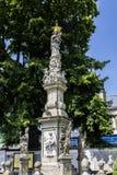 Μνημείο κοντά στον τάφο κόκκαλων Στοκ φωτογραφία με δικαίωμα ελεύθερης χρήσης