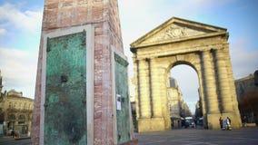 Μνημείο οινοποίησης και αρχαία αψίδα Place de Λα Victorie στο Μπορντώ, Γαλλία απόθεμα βίντεο