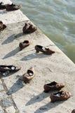 Μνημείο παπουτσιών στη Βουδαπέστη, Ουγγαρία Στοκ εικόνες με δικαίωμα ελεύθερης χρήσης