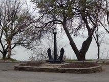 Μνημείο σε μια άγκυρα Στοκ εικόνες με δικαίωμα ελεύθερης χρήσης
