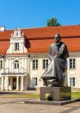 Μνημείο σε Maironis σε Kaunas στοκ εικόνες με δικαίωμα ελεύθερης χρήσης