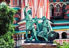 Μνημείο σε Minin και Pozharsky στην κόκκινη πλατεία στη Μόσχα Russ Στοκ Φωτογραφία