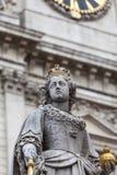 Μνημείο στη βασίλισσα Anne μπροστά από τον καθεδρικό ναό του ST Paul ` s, Λονδίνο, Ηνωμένο Βασίλειο Στοκ Εικόνες