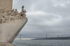 Μνημείο στις ανακαλύψεις που κοιτάζουν triumphantly έξω πέρα από τον Ατλαντικό Ωκεανό σε Betlem, Λισσαβώνα, Πορτογαλία στοκ εικόνες με δικαίωμα ελεύθερης χρήσης