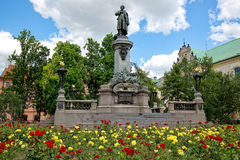 Μνημείο στον πολωνικό ποιητή Adam Mickiewicz στη Βαρσοβία Στοκ Φωτογραφίες