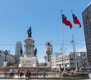 Μνημείο στους ήρωες του ναυτικού αγώνα Iquique το 1879 και του της Χιλής πολεμικού ήρωα Arturo Prat, σε Plaza Sotomayor valparais Στοκ φωτογραφία με δικαίωμα ελεύθερης χρήσης