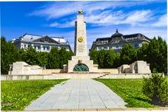 Μνημείο στους σοβιετικούς απελευθερωτές στρατιωτών στο τετράγωνο ελευθερίας στη Βουδαπέστη στοκ φωτογραφία