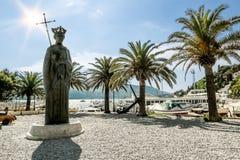 Μνημείο στο βασιλιά Tvrtko Ι στο θαλάσσιο λιμένα στην πόλη Herceg Στοκ Φωτογραφία