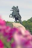 Μνημείο στο Μέγας Πέτρο Άγιος-Πετρούπολη στην πόλη, Ρωσία Στοκ εικόνες με δικαίωμα ελεύθερης χρήσης