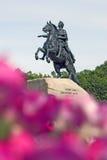 Μνημείο στο Μέγας Πέτρο στην Άγιος-Πετρούπολη, Ρωσία Στοκ εικόνες με δικαίωμα ελεύθερης χρήσης