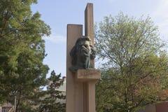 Μνημείο στο συγγραφέα Maxim Γκόρκυ στην πόλη Evpatoria, Κριμαία στοκ εικόνες