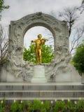 Μνημείο στο Johann Strauss σε Stadpark στοκ φωτογραφία με δικαίωμα ελεύθερης χρήσης