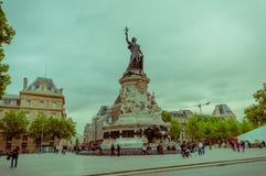 Μνημείο της Marianne, Place de Λα Republique, Παρίσι Στοκ εικόνα με δικαίωμα ελεύθερης χρήσης