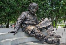 Μνημείο του Άλμπερτ Αϊνστάιν - άγαλμα χαλκού από τα βερκέλια του Robert γλυπτών στοκ φωτογραφία με δικαίωμα ελεύθερης χρήσης