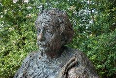 Μνημείο του Άλμπερτ Αϊνστάιν - άγαλμα χαλκού από τα βερκέλια του Robert γλυπτών στοκ εικόνα με δικαίωμα ελεύθερης χρήσης