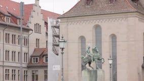 Μνημείο του ατόμου στο άλογο απόθεμα βίντεο