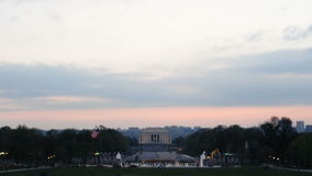 Μνημείο του Λίνκολν κάτω από το ηλιοβασίλεμα φιλμ μικρού μήκους