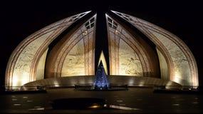Μνημείο του Πακιστάν τη νύχτα! Στοκ Εικόνες