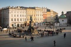 Μνημείο του Adam Mickiewicz στο κύριο τετράγωνο Χρονολογεί στο 13ο αιώνα Στοκ Εικόνες