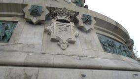 Μνημείο του Columbus στη Βαρκελώνη, επιτροπές bas-ανακούφισης χαλκού στο πλίνθο βάθρων φιλμ μικρού μήκους