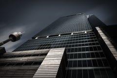 Μνημειακός ουρανοξύστης στο Σίδνεϊ CBD σε γραπτό Στοκ Εικόνες
