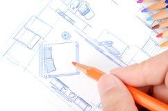 Μολύβια χρώματος και σχεδιάγραμμα σπιτιών στοκ εικόνες με δικαίωμα ελεύθερης χρήσης