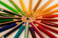 Μολύβια Cololed που βρίσκονται σε έναν κύκλο στοκ φωτογραφία με δικαίωμα ελεύθερης χρήσης