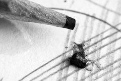 Μολύβι και έγγραφο μολύβδου τόσο κοντά Στοκ φωτογραφία με δικαίωμα ελεύθερης χρήσης