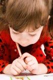 μολύβι κοριτσιών σχεδίων Στοκ εικόνες με δικαίωμα ελεύθερης χρήσης