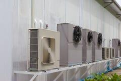 Μονάδα συμπιεστών του κλιματιστικού μηχανήματος Στοκ Εικόνες