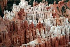 μοναδικό λευκό βράχου σχηματισμών κόκκινο στοκ φωτογραφία με δικαίωμα ελεύθερης χρήσης