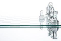 Μοναξιά σκακιού ενέχυρων που μάχεται, επιτυχία στρατηγικής επιχειρηματικών σχεδίων Στοκ Φωτογραφίες