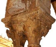 Μοναστήρι του Benedictine μοναστηριού στον καθεδρικό ναό Monreale στη Σικελία Γενικές άποψη και λεπτομέρειες των στηλών και των κ Στοκ Εικόνες