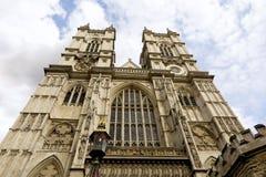 Μοναστήρι του Westminster, Λονδίνο, που εξετάζει επάνω το δυτικό πρόσωπο Στοκ Φωτογραφίες