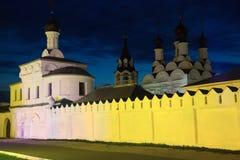 Μοναστήρι το βράδυ Στοκ φωτογραφία με δικαίωμα ελεύθερης χρήσης